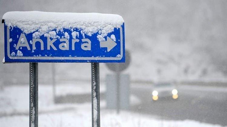 Sıcaklıklar düşüyor, Ankara'ya kar geliyor